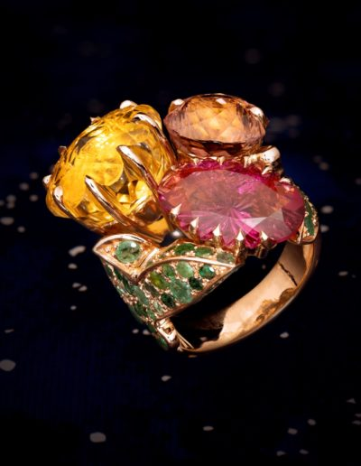 Bague haute joaillerie Un Bouquet Or rose, Citrine, Emeraude & Tourmalines