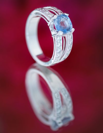 Bague Saphir de Ceylan _ Diamants - Or blanc