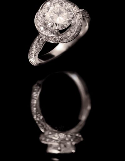Solitaire Tourbillon - Diamants 1ct + Pavage - Or blanc